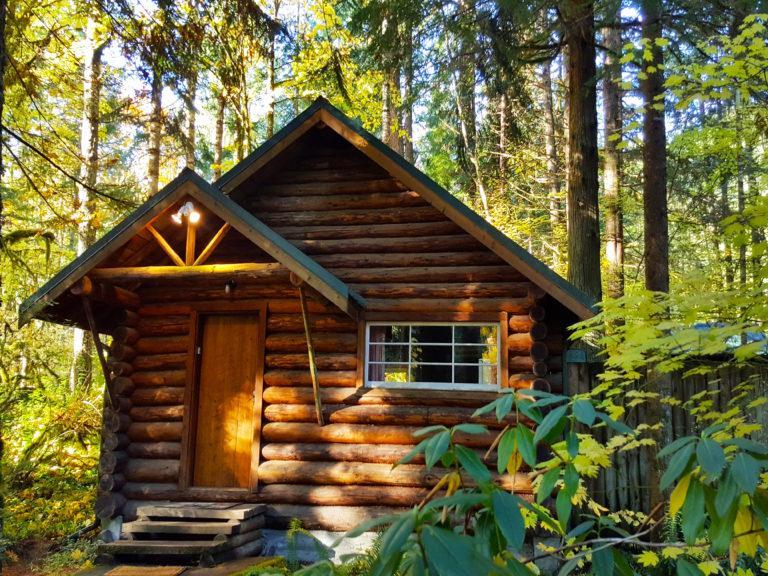 Copper Creek Log Cabin at Mount Rainier