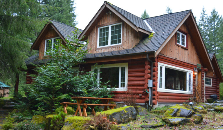Copper Creekside Cabin