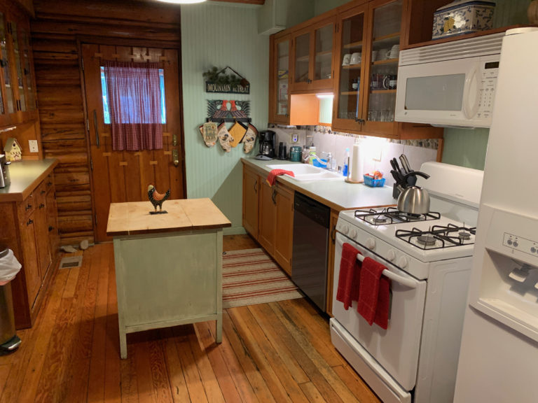 Copper Creek Lodge kitchen